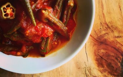 Okra with tomatoes and coriander